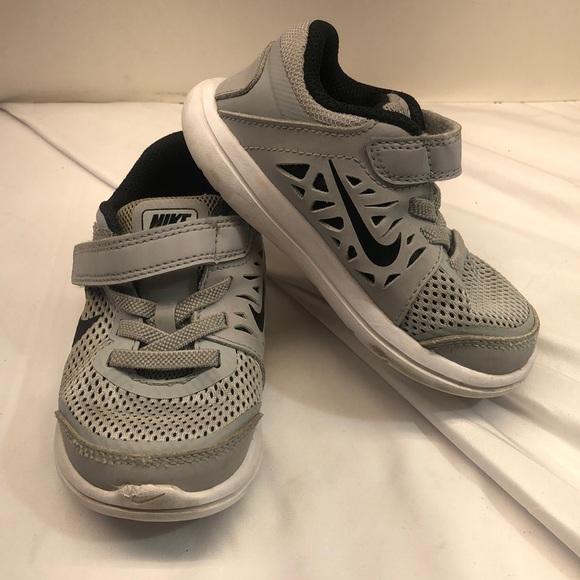 Nike Flex 2016 Run Grey Sneakers